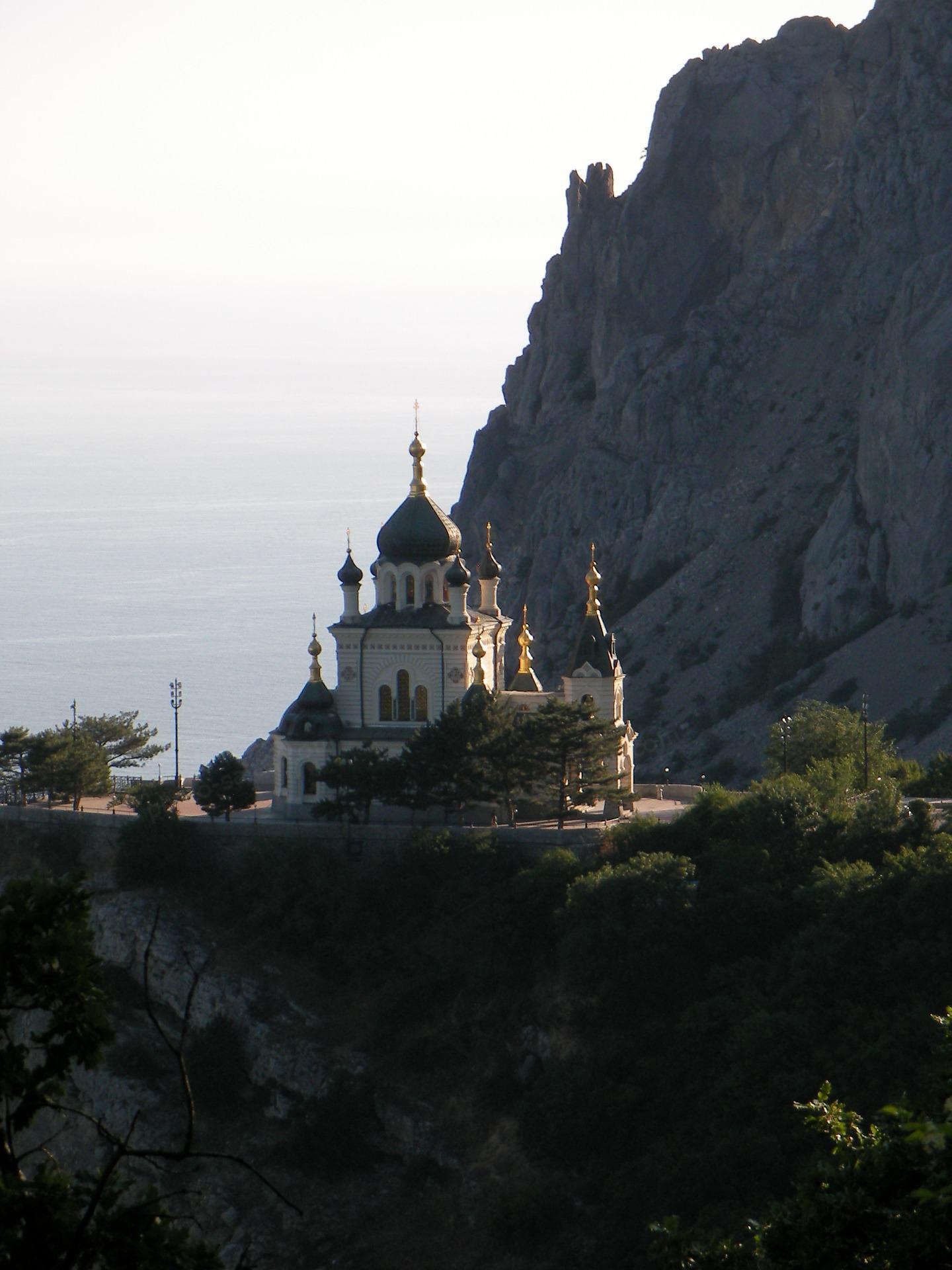 Kerk in die berge naby Foros in die Krim