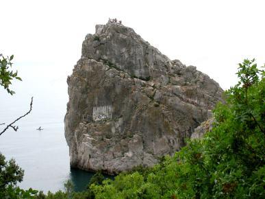 المغنية حنجرة في Simeiz في شبه جزيرة القرم