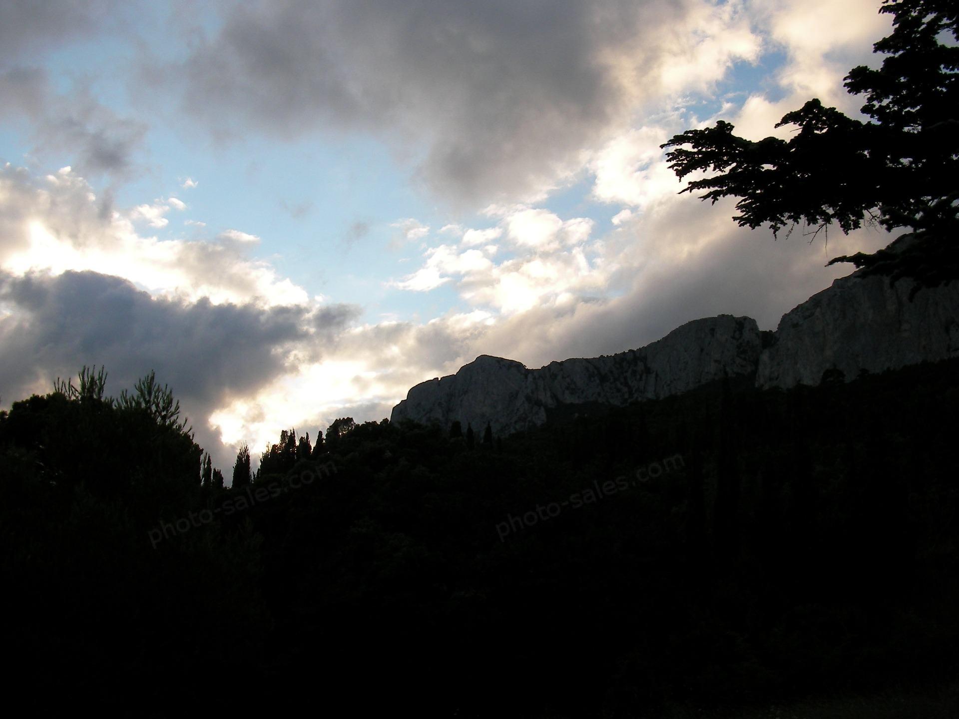 Krymské hory ve večerních hodinách