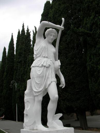 在Simeiz的女人雕像