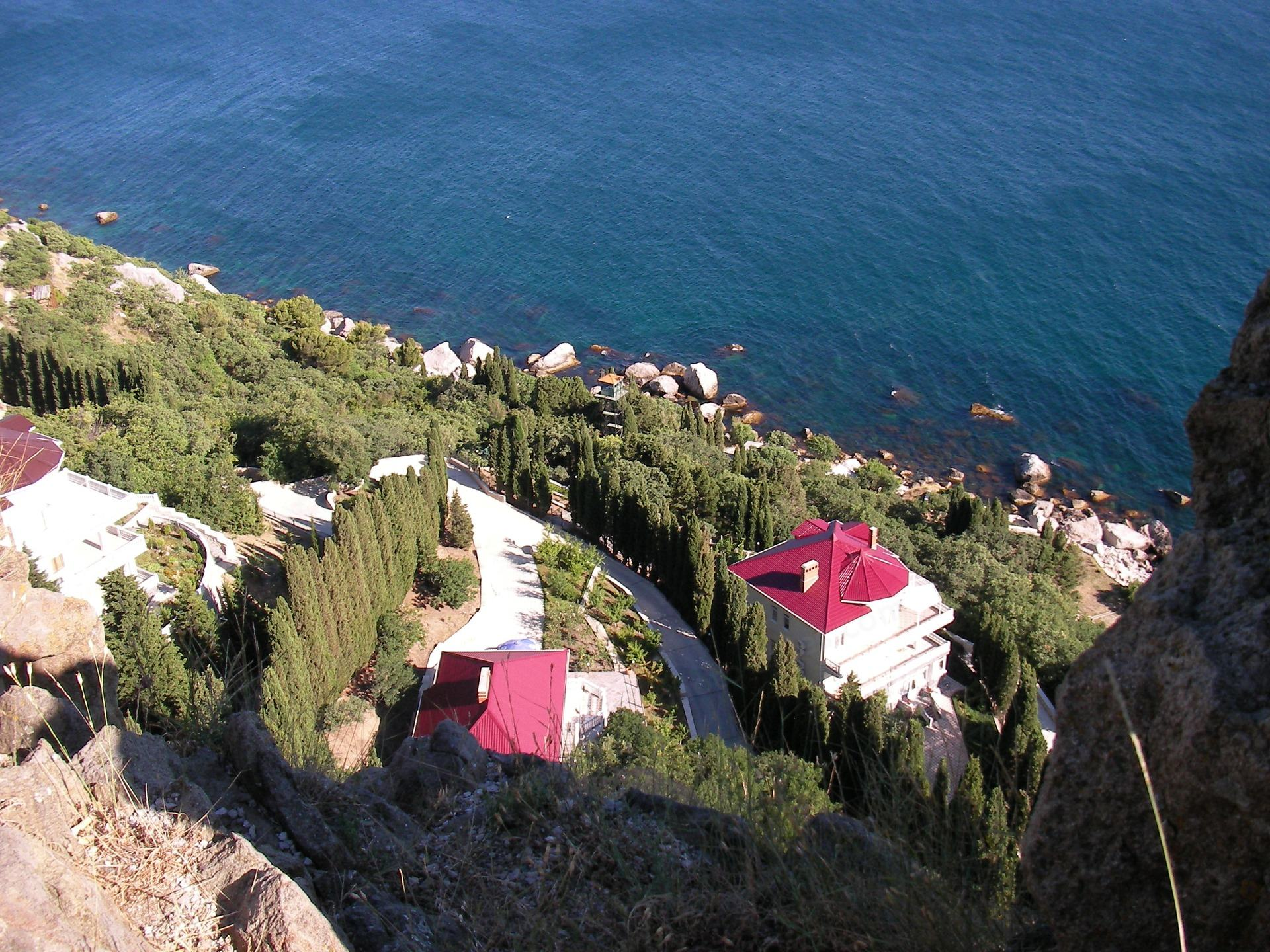 Crimea में रॉक इफिगेनिआ तहत Castropol पास विला